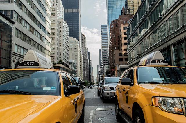 Taksi Jadi Pilihan Transportasi Terbaik untuk Hadiri Acara Berikut ini