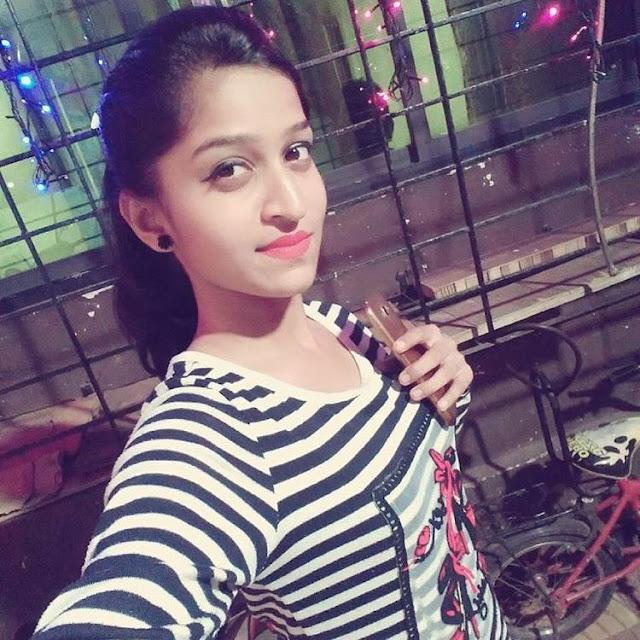 indian-instagram-girl-in-gujarat