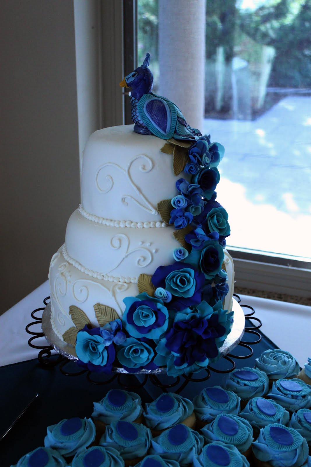 peacock wedding cake designs layers of peacock wedding cake 18159