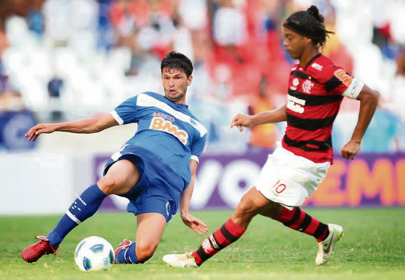 4ac5b3f303 Cribari em 2011 quando atuava pelo Cruzeiro em Minas Gerais no Campeonato  Brasileiro - Foto  Arquivo Pessoal