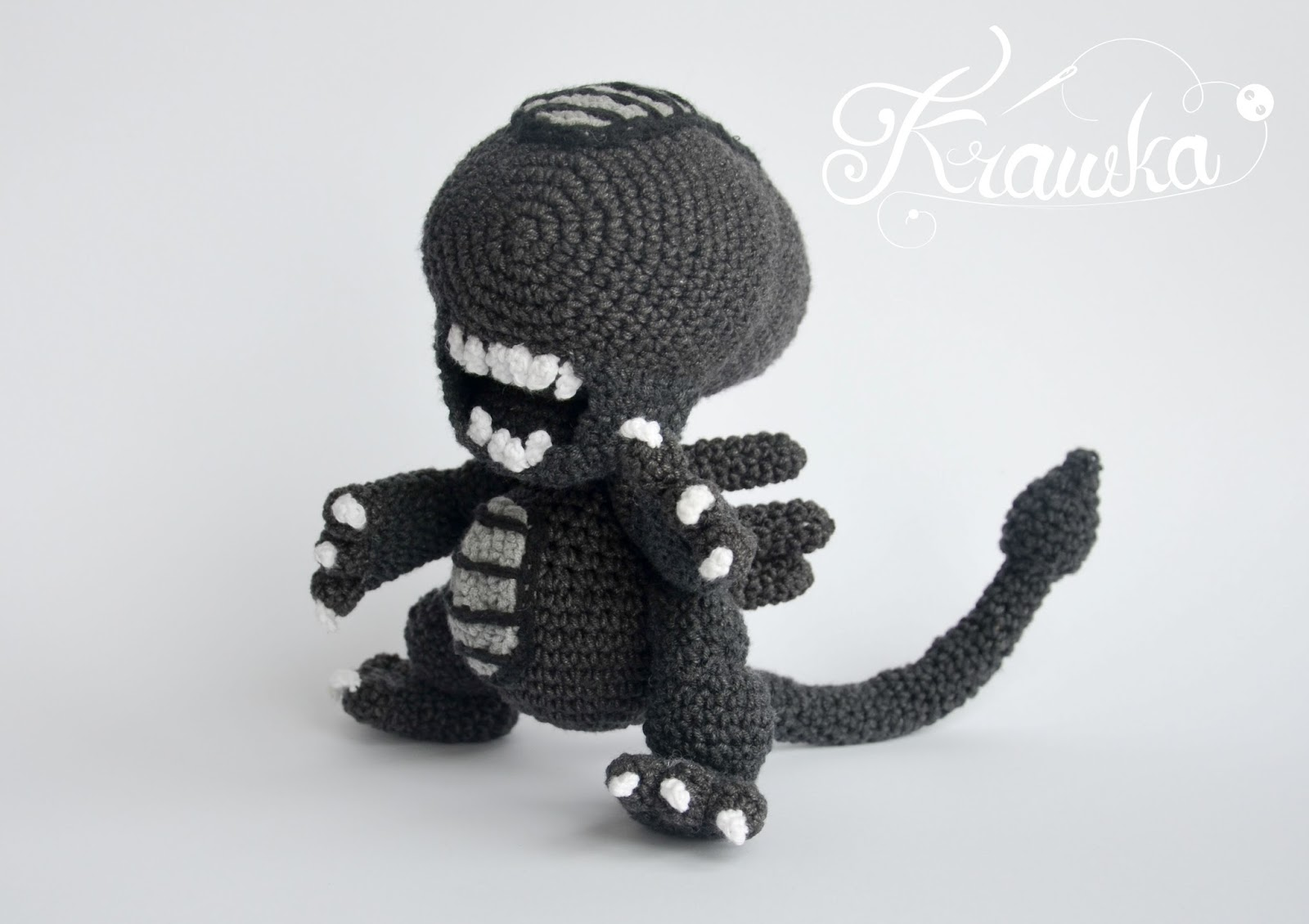 Crochet Xenomorph : Alien xenomorph crochet pattern by Krawka - best geek crochet pattern ...