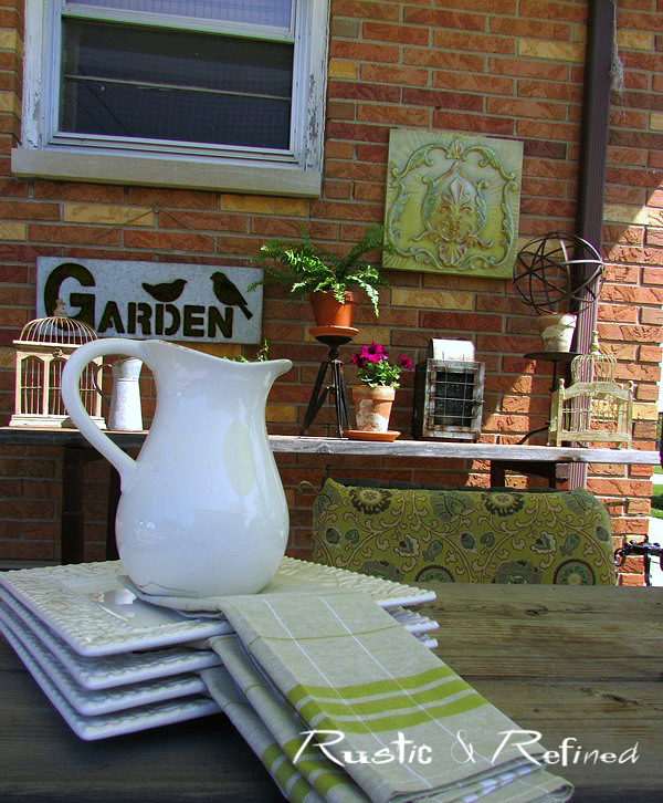 Farmhouse decor on a backyard patio