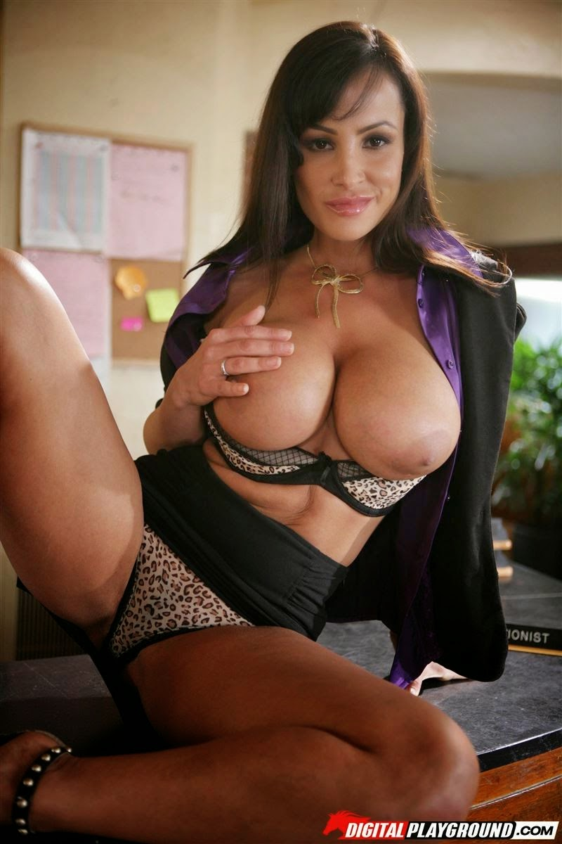 Busty milf lisa ann nailin palin recommend you