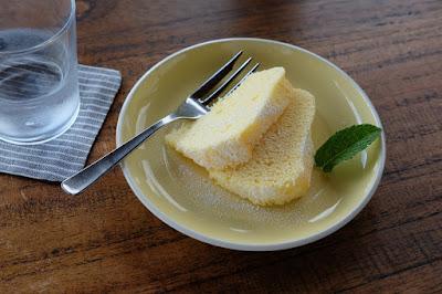 カフェ 風のいろ レモンケーキ