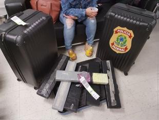 Cearense é presa com 45 mil comprimidos de ecstasy no aeroporto de Natal