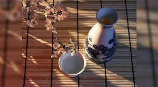 Jepang Menawarkan Kenikmatan Berendam Di Sake