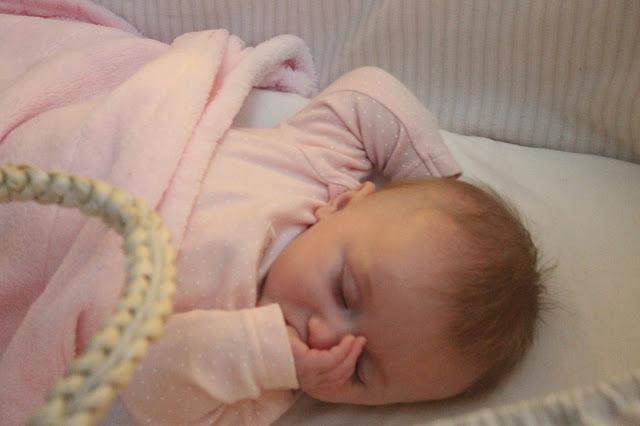 baby sucking thumb to get to sleep