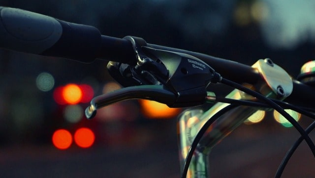cycling safety reflectors wear visibility lights avoid biking accidents