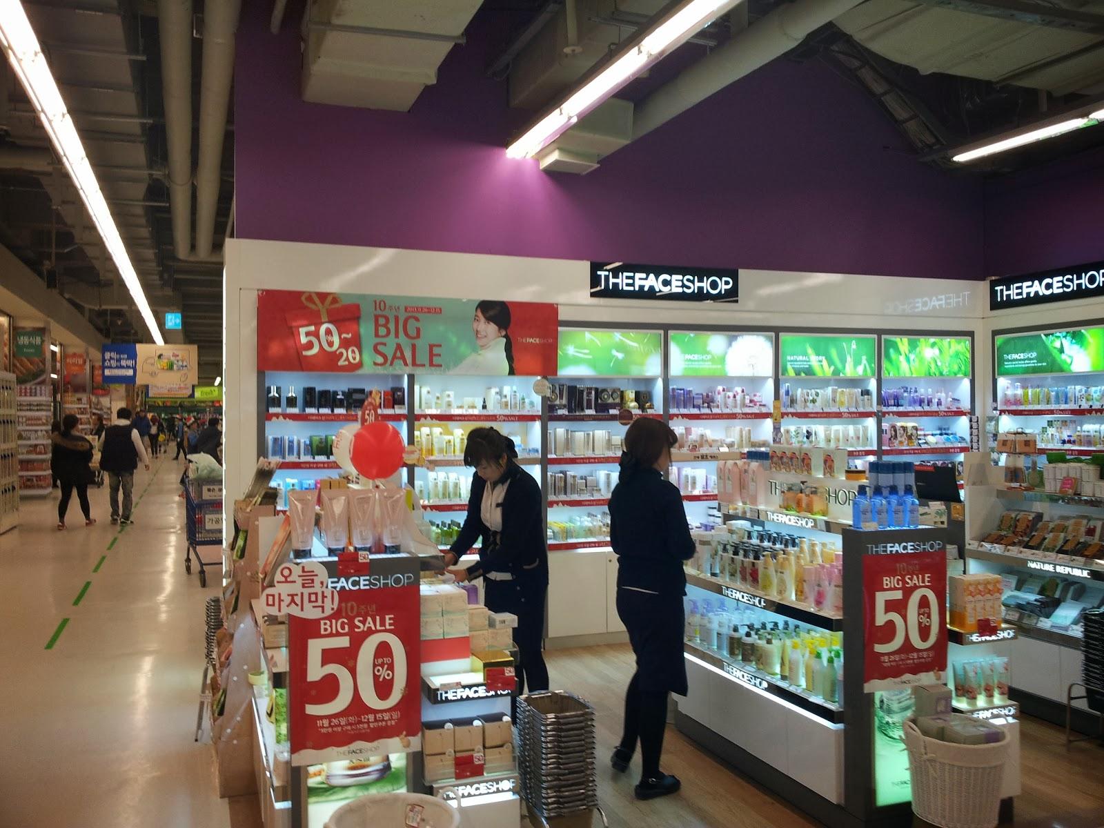 Hasil gambar untuk discount kosmetik di Myeong Dong