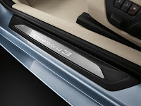 2013 BMW 3-Series Sedan (F30) ActiveHybrid 3: Interior Detail: Entry Door Sill
