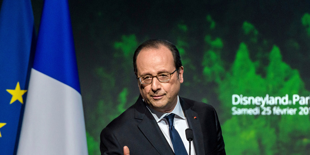 French police sniper shoots two by mistake during President Francois Hollande speech