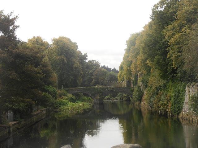 Puente sobre un río en Irlanda del Norte