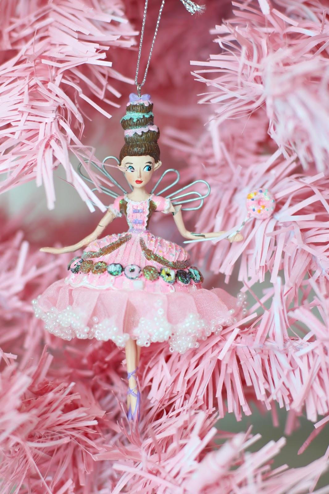 the joy of fashion christmas diy pink christmas tree. Black Bedroom Furniture Sets. Home Design Ideas