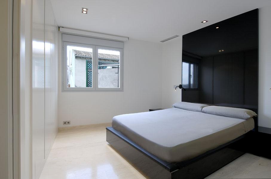 Minimalist Bedroom Interior | Back 2 Home