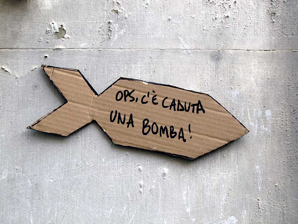Cardboard bomb on a wall, Livorno