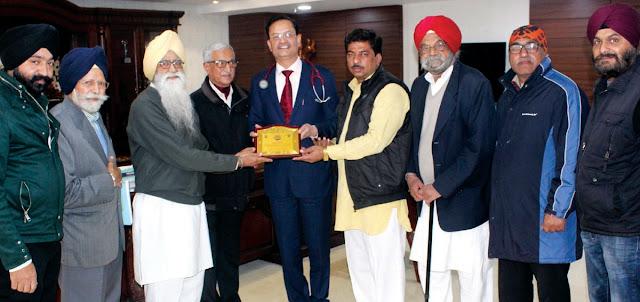 Dr. S. S. Bansal has been honored by Panchanad Sena and Gurdwara Sukhmani