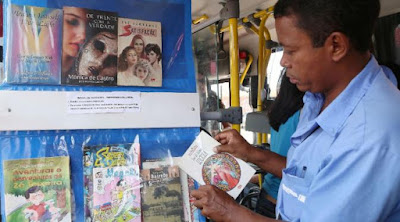 Perpustakaan bus - Sekitar Dunia Unik