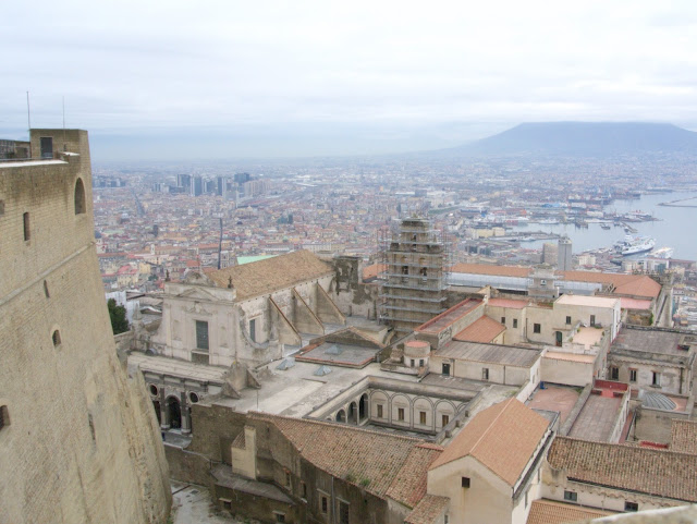 wulkan Wezuwiusz, widok z zamku Sant'Elmo