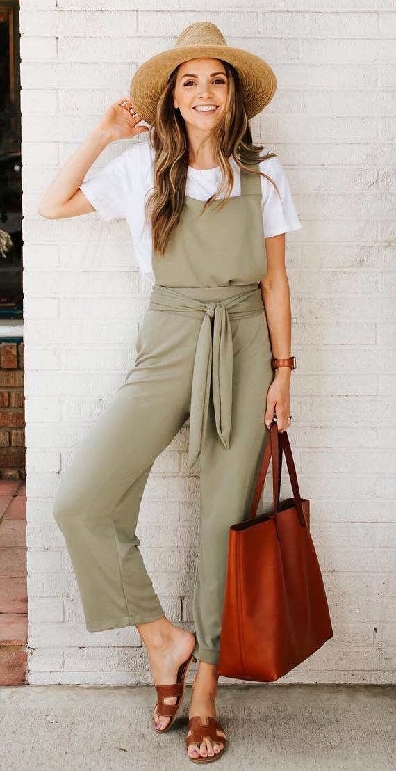 summer casual outfit / whitet-shirt + bag + hat + jumpsuit + slides