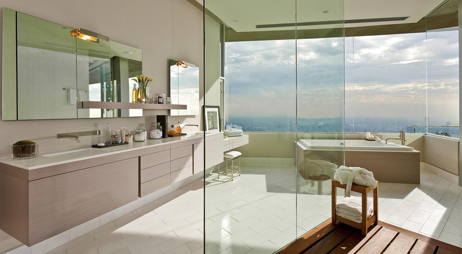 Banheiros com paredes de vidro e vista linda saiba mais sobre essa  #3E311C 1600x882 Banheiro Com Vista Para Jardim