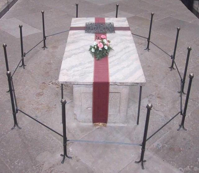 O túmulo de Othon I, hoje, em Magdeburgo, Alemanha