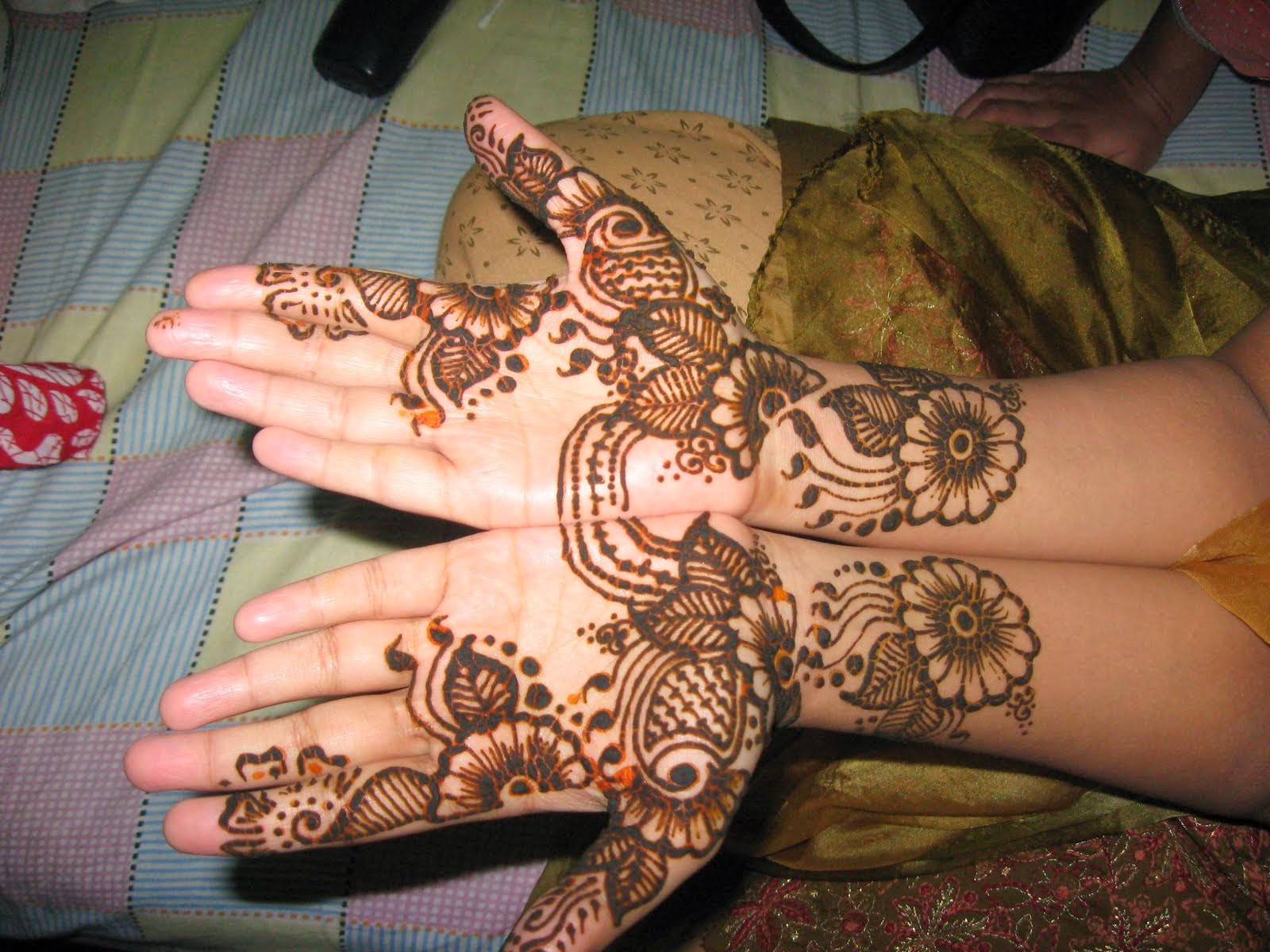 Beautiful Latest Eid Mehndi Designs Wallpapers Free Download