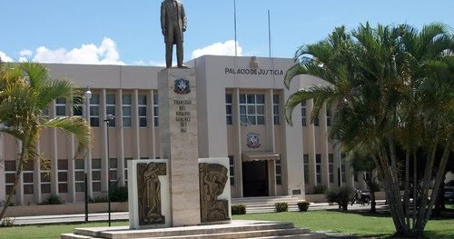 Tribunal de San Juan varía medida de coerción al victimario del hijo del  doctor De los Santos Forbes