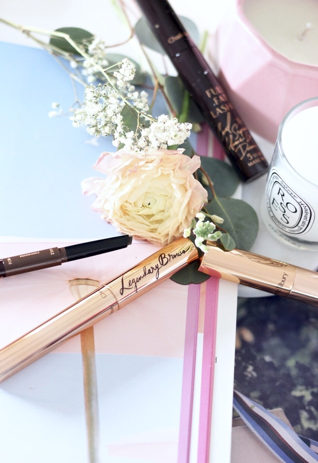 Supermodel Brow Lift Kit Review- Charlotte Tilbury. 3 in 1 brow lift eyebrow pencil, legendary brows eyeybrow gel, full fat lashes mascara, retoucher concealer, life changing eyelashes curler - Pastels and Pastries