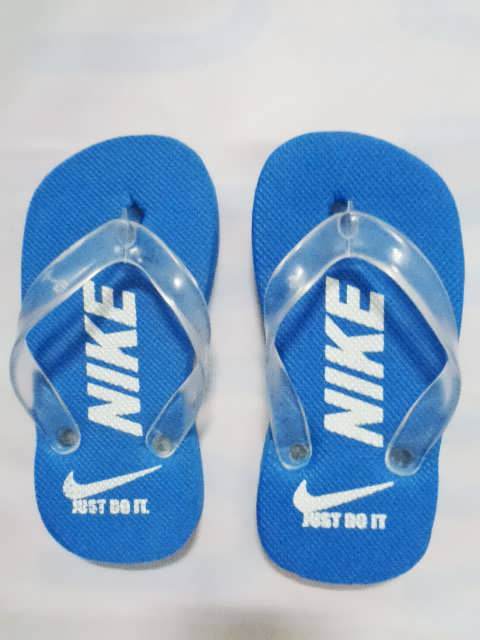 sandal anak nike biru