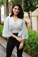 Samantha Trendy Stills at Laundry Kart Launch TollywoodBlog