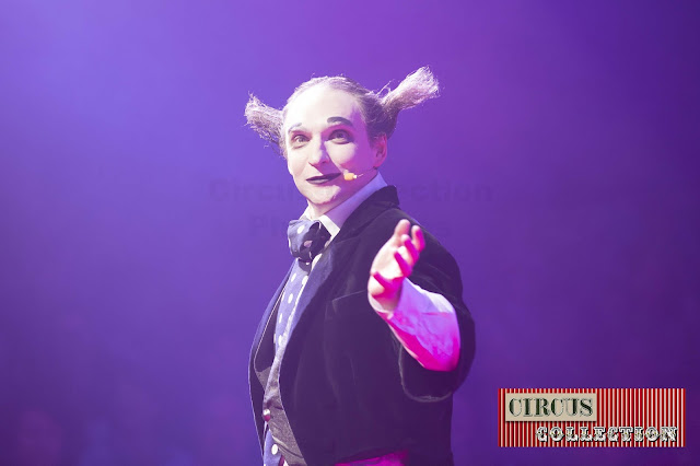 Spectacle Housch-ma-Housh clown