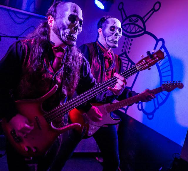 Tiki phantoms Robby Robot Zaragoza