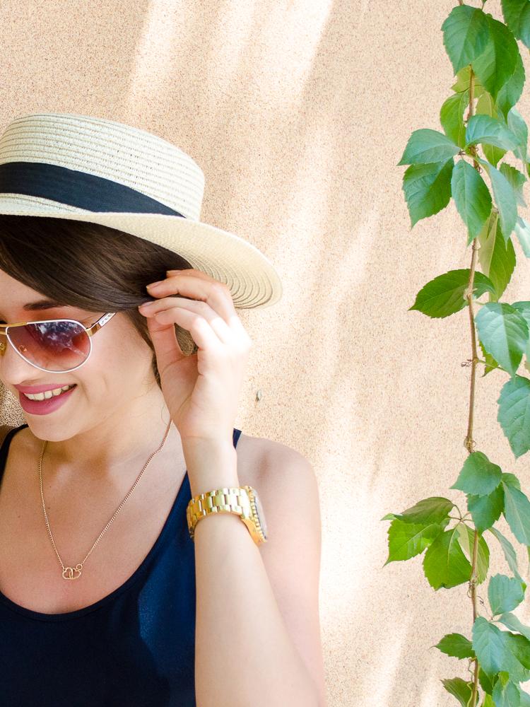 fashionblogger-lookoftheday-hat-stripe-skirt-navy-top-mango-bag-michaelkors