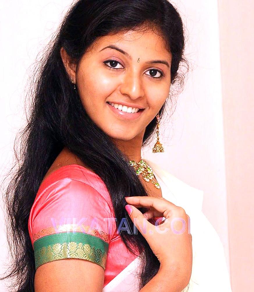Indian Celebs Pics: Anjali In Paavadai Thavani Images