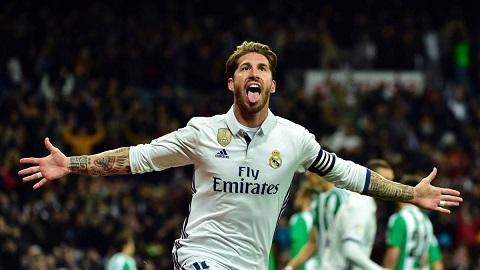 """Hậu vệ Sergio Ramos (Real Madrid) là một gương mặt quen thuộc trong """"đội quân màu đỏ""""."""