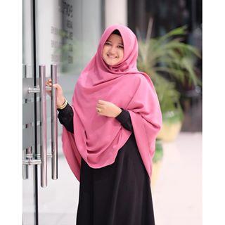7 TIPS BERHIJAB SYAR I SESUAI DENGAN BENTUK WAJAH - Choca Clothing 599507a489