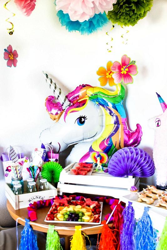 Ideen f r eine tolle einhorn regenbogen party sasibella - Einhorn party deko ...
