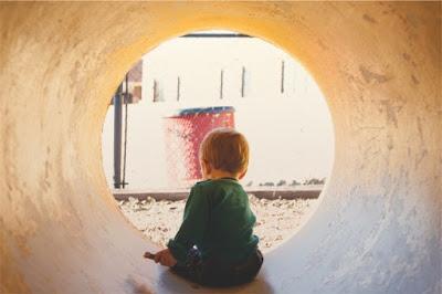 ثمانية 8 أخطاء للمدرسة تنتج طفلا غبيا و مقموعا