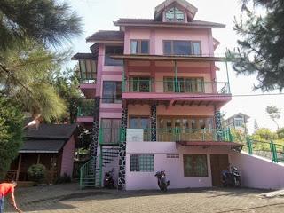 Penginapan Untuk Rombongan Liburan Keluarga Besar Di Lembang