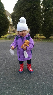 toddler hat & mittens
