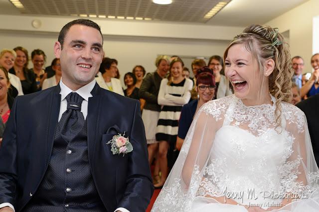 portraits des mariés photo lors de la cérémonie civile oui à la mairie