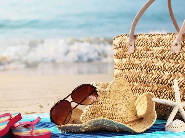 Da mesma forma que protege a pele contra a intensidade do sol, deve  proteger os olhos contra o envelhecimento prematuro, o cancro da pele e uma  variedade de ... 1740692b78