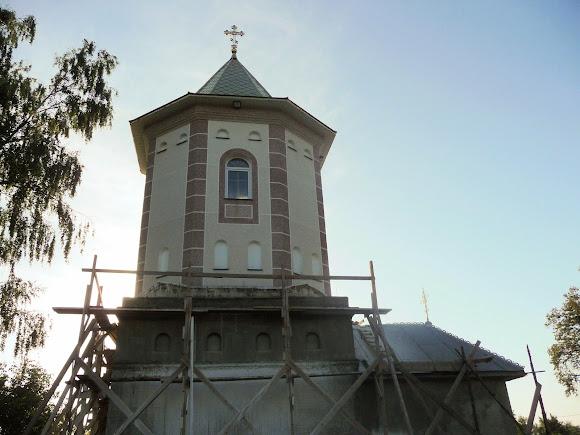 Лунка. Церковь Преподобной Параскевы. Восьмигранная башня-колокольня