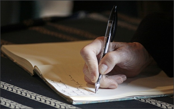 Ini Dia 5 Tips Sukses Menulis Essay Beasiswa Yang Baik Sahabat