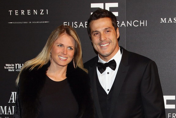 Julio César has been married with his wife Susana Werner since 2002