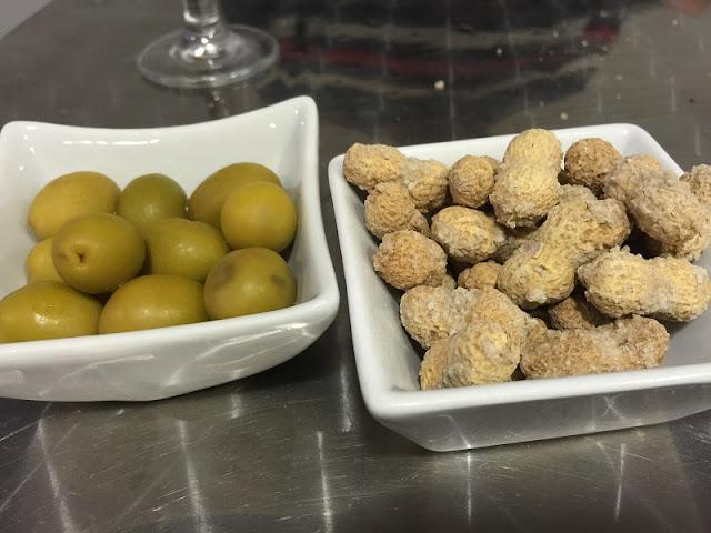 Swing bar cafetería - Cacaos y olivas
