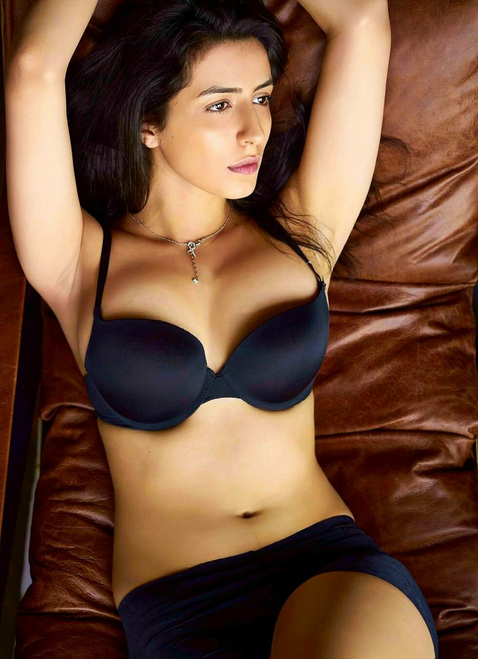 South Indian sexy actress in bikini Height, Weight, Age, Body Measurement, Wedding, Bra Size, Husband, DOB, instagram, facebook, twitter, wiki
