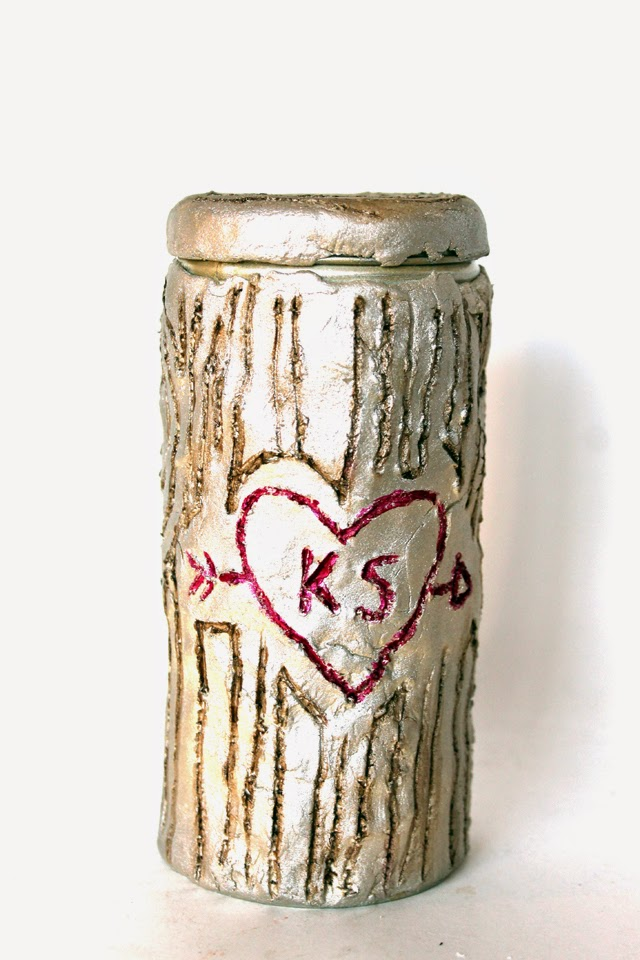"Make a ""carved tree"" out of empty @pirouline tins using this DIY by @punkprojects"