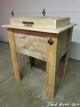 Rustic Outdoor Cooler Stand - Wood Pallet
