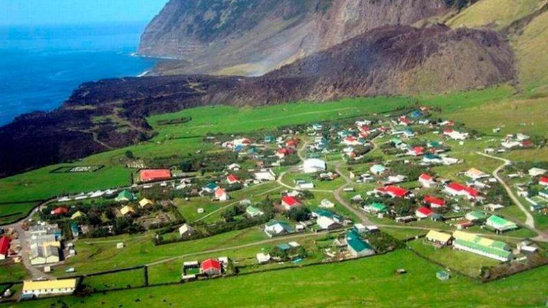 Tristan da Cunha, Pulau dengan Penduduk Paling Sedikit